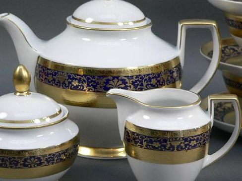 59 pieces gold plated dinner set 41 pieces gold plated tea set